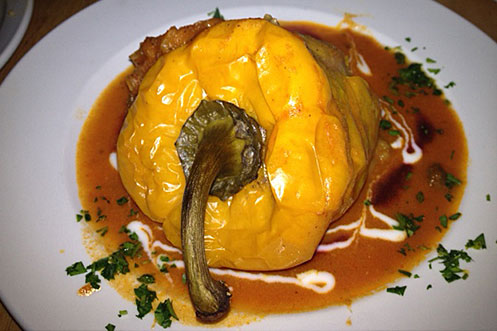 Manamana Amsterdam vegetarian restaurant stuffed pepper