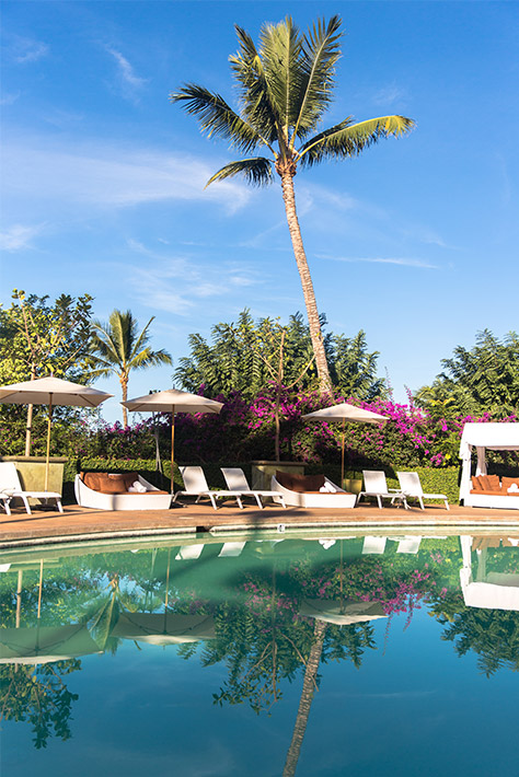 Who could resist the Hotel Wailea's tempting poolside cabanas